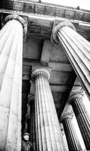 """Black and white image of the portico of the Royal Scottish Academy ""src=""https://scottbellphotography.files.wordpress.com/2018/01/columns.jpg"
