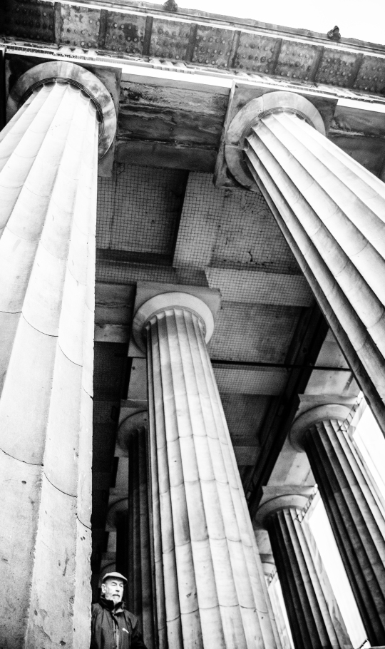 """Black and white image of the portico of the Royal Scottish Academy ""src=""https://scottbellphotography.files.wordpress.com/2018/01/columns.jpg"